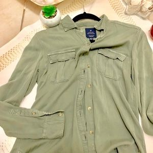 American Eagle vintage boyfriends button up top